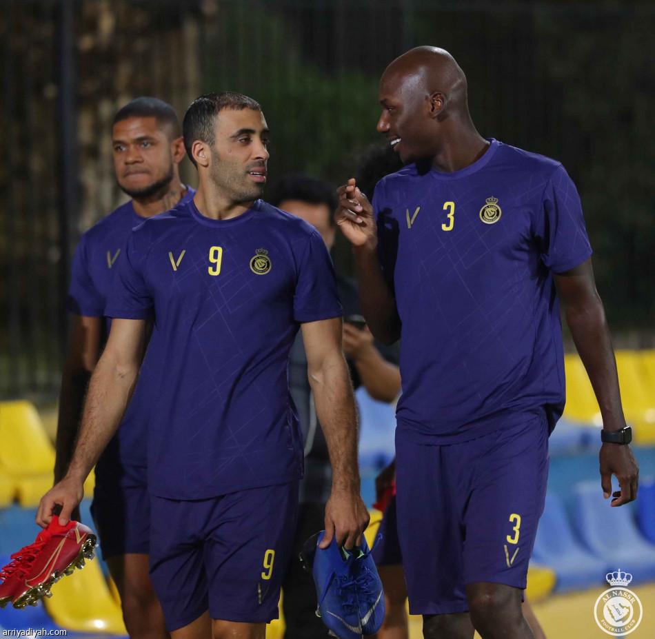 الأصفر أمام الإماراتيين.. 3 انتصارات وعبور