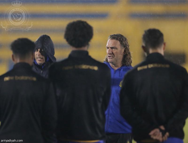 قبل الاتفاق.. كارينيو يكثف اجتماعاته مع اللاعبين