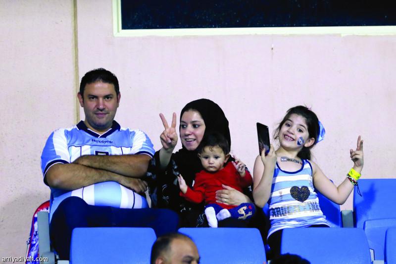 الجماهير تخطف أنظار الأرجنتينيين